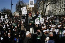 Tuần hành ở Anh phản đối tạp chí Charlie Hebdo