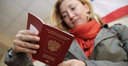 Ukraine bắt đầu siết nhập cảnh với công dân Nga