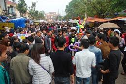 Hội Lim hay… hội chợ?
