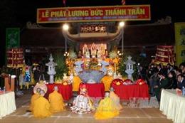 Rộn ràng Lễ phát lương Đền Trần Thương - Hà Nam