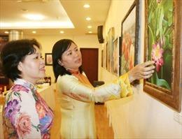 Khai mạc triển lãm tranh 'Về với thiên nhiên'