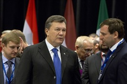 EU dỡ bỏ lệnh trừng phạt 4 người Ukraine