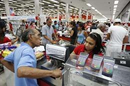 Venezuela căng mình trong cuộc chiến kinh tế
