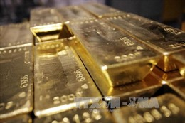 Giá vàng tăng, giá dầu thế giới giảm