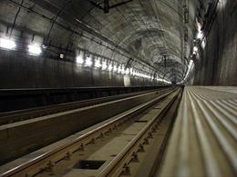 Đường hầm xe lửa dài và sâu nhất thế giới
