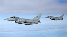 Chiến đấu cơ Anh chặn 2 máy bay ném bom Nga