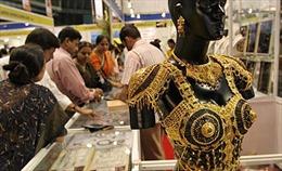 Giá dầu tăng 5 phiên liên tiếp, thị trường vàng yên ắng