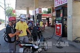 Xem xét việc sửa đổi Nghị định 83 về kinh doanh xăng dầu