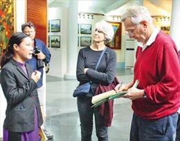 Hành trình nhà báo Mỹ lật tẩy  vụ thảm sát Mỹ Lai