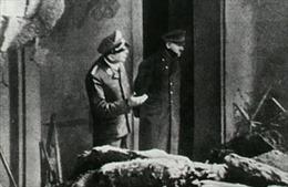 Bức ảnh cuối cùng của Hitler trước khi tự sát