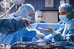 Di động của bác sĩ rung mạnh trong bụng sản phụ