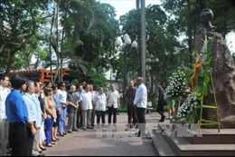 Tưởng nhớ anh hùng dân tộc Cuba José Martí tại Hà Nội