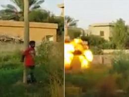 IS phóng hỏa tiễn bazooka xử tử người chống đối