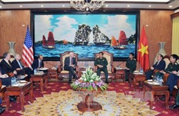 Đại tướng Phùng Quang Thanh tiếp Thượng nghị sĩ Mỹ