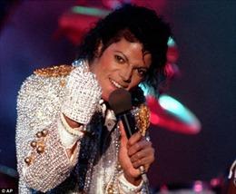 Michael Jackson kiếm 2 tỷ USD sau 6 năm qua đời