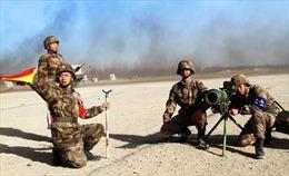 Trung Quốc diễn tập pháo binh tại Lan Châu
