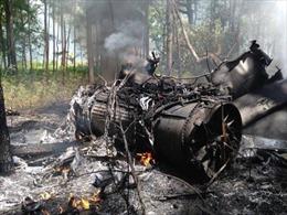 Chiến đấu cơ F-16 đâm trúng máy bay dân sự