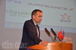 Trao huân chương hữu nghị cho nguyên Đại sứ Cộng hòa Pháp tại Việt Nam