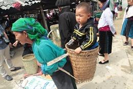 Phiên chợ Phố Cáo