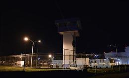 """Mexico bắt giữ 22 nhân viên nhà tù trong vụ """"bố già"""" vượt ngục"""