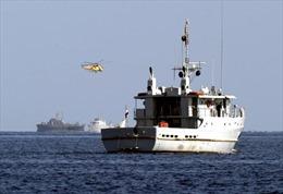 Tàu hải quân Ai Cập cháy do đụng độ phiến quân