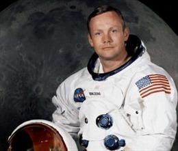 Phục chế bộ đồ Neil Armstrong mặc trên Mặt trăng