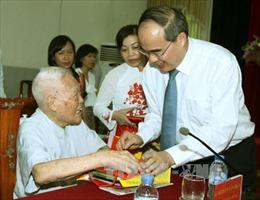 Mặt trận Tổ quốc Việt Nam tri ân cán bộ lão thành cách mạng