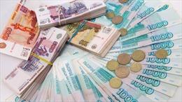 Đồng ruble Nga trượt giá trở lại