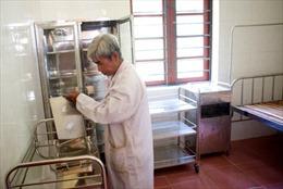 Tặng trạm xá, bò giống cho xã nghèo nhất Việt Nam
