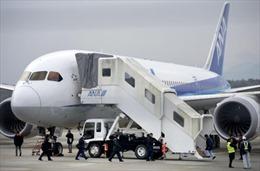 Máy bay Boeing 777 hạ cánh khẩn ở Nhật Bản