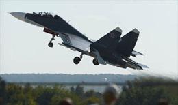 Ukraine đóng cửa không phận với máy bay Nga tới Syria