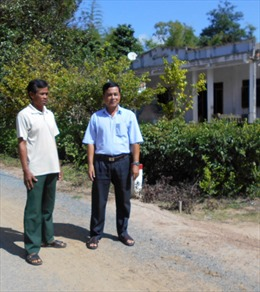 Người tiên phong hiến đất xây dựng nông thôn mới