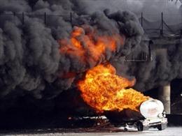 Nổ lớn tại nhà máy lọc dầu làm 8 người thiệt mạng, mất tích