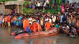 Lật thuyền chở gần 300 người tại Ấn Độ