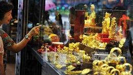 Giá vàng chạm mức cao nhất gần hai tuần