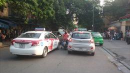 Khi kinh doanh thương quyền taxi bị thả nổi - Bài 2