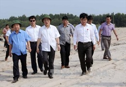 Chủ tịch Quốc hội tiếp xúc cử tri Hà Tĩnh