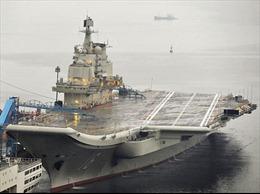 Đoàn sĩ quan Mỹ thăm tàu sân bay Trung Quốc