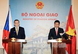 Phó Thủ tướng Phạm Bình Minh hội đàm với Ngoại trưởng Séc