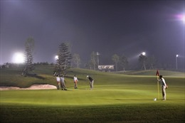 Cơ hội trải nghiệm chơi golf buổi tối