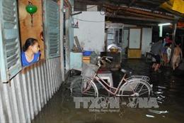 Nhiều khu vực TPHCM bị ngập do triều cường