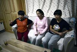 """Những đứa trẻ """"không tồn tại"""" ở Trung Quốc"""