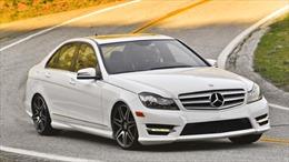 Hơn 100.000 xe Mercedes bị triệu hồi tại Mỹ
