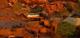 Vỡ đập, lũ bùn nhấn chìm nhiều nhà cửa ở Brazil