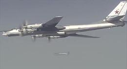 Tu-160 và Tu-95MS xuất trận lần đầu trên bầu trời Syria
