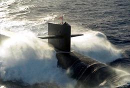 Không quân Anh truy lùng tàu ngầm nghi của Nga