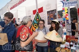 Việt Nam tham dự Hội chợ từ thiện quốc tế tại Bazaar
