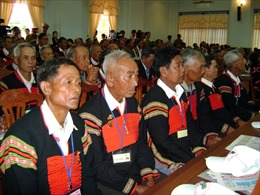 Phát huy vai trò của người uy tín trong đồng bào dân tộc