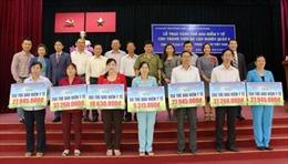 Trao tặng thẻ bảo hiểm y tế cho 1.000 người khó khăn tại TP Hồ Chí Minh