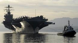Mỹ nổi đóa vụ tên lửa Iran bay sát tàu sân bay Truman